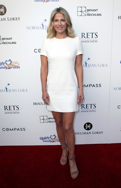 Ali Larter Strappy Sandals [cocktail dress,clothing,dress,white,shoulder,fashion model,fashion,joint,footwear,hairstyle,uplift family services,hollygrove,hollywood,california,hollygrove campus,ali larter,norma jean gala,arrivals]