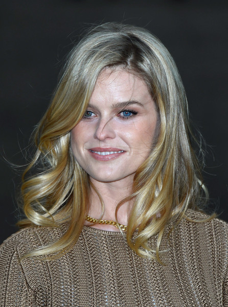 Alice Eve Medium Wavy Cut