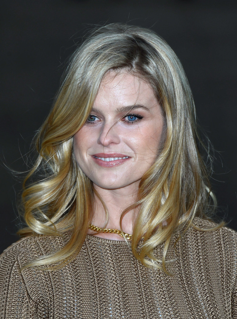 Alice Eve Medium Wavy Cut Shoulder Length Hairstyles