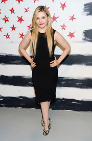 Abigail Breslin added a pop to her LBD with black-and-white printed pumps.