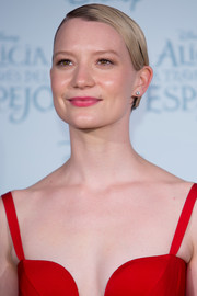 Mia Wasikowska rocked a slicked-down short 'do at the Madrid premiere of 'Alice Through the Looking Glass.'