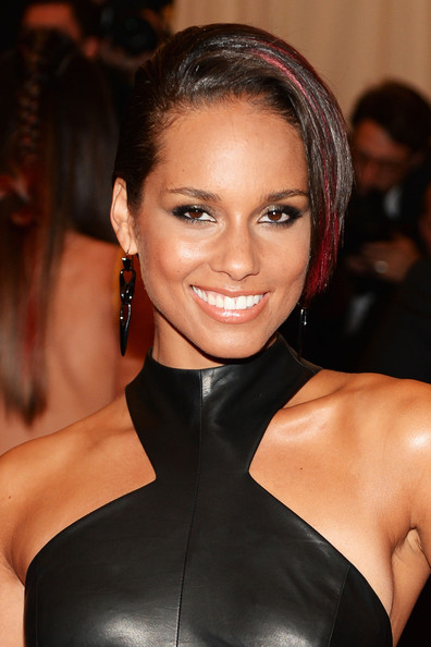 Alicia Keys Short Side Part