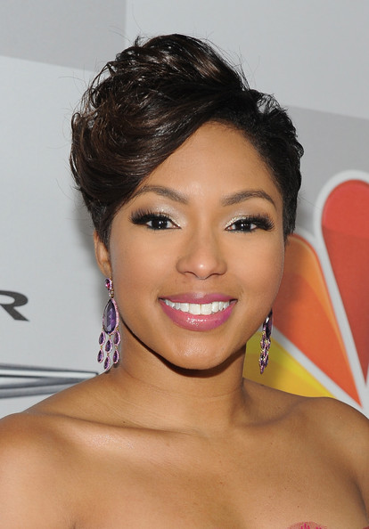 Alicia Quarles Messy Cut [hair,face,eyebrow,hairstyle,lip,chin,skin,beauty,forehead,black hair,alicia quarles,viewing,the beverly hilton hotel,universal,focus features,nbc,e,chrysler,party,party]