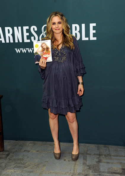 More Pics of Alicia Silverstone Long Curls (3 of 13) - Alicia Silverstone Lookbook - StyleBistro