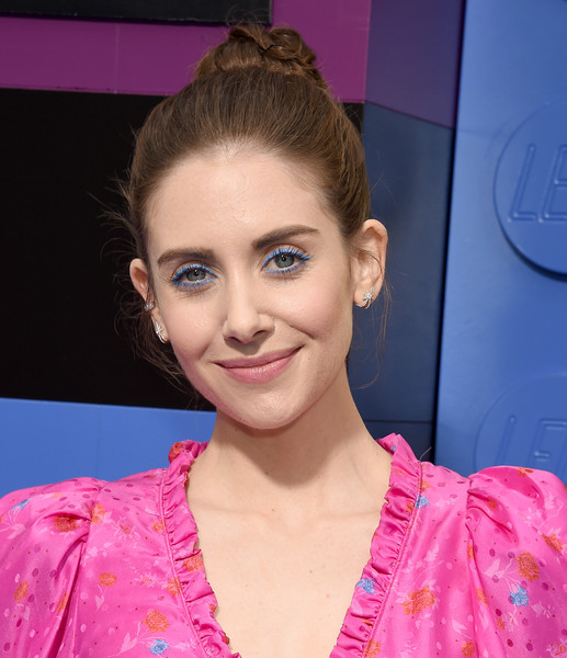 Alison Brie Classic Bun [the lego movie 2: the second part,the lego movie 2: the second part - arrivals,hair,face,hairstyle,eyebrow,lip,beauty,chin,pink,forehead,fashion,alison brie,regency village theatre,california,warner bros. pictures,westwood,premiere]
