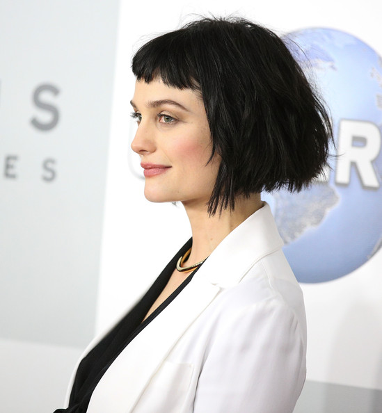 Alison Sudol Bob [hair,face,hairstyle,black hair,shoulder,chin,beauty,eyebrow,skin,bob cut,alison sudol,beverly hills,california,the beverly hilton hotel,golden globes,nbcuniversal,party,arrivals]