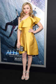 Peyton List was a ray of sunshine in her yellow ruffle one-shoulder dress at the New York premiere of 'Allegiant.'
