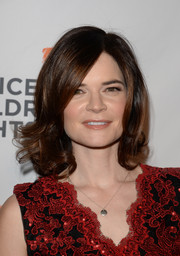 Betsy Brandt looked very feminine with her curly ends during the Alliance for Children's Rights dinner.