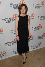 Anne Sweeney chose a sleeveless LBD with a gathered waist for the Alliance for Children's Rights dinner.
