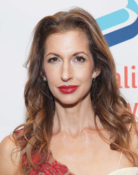 Alysia Reiner Long Wavy Cut [make equality reality,hair,face,hairstyle,lip,eyebrow,blond,long hair,brown hair,skin,chin,equality now celebrates 25th anniversary,alysia reiner,new york city,equality now,gotham hall,make equality reality gala]