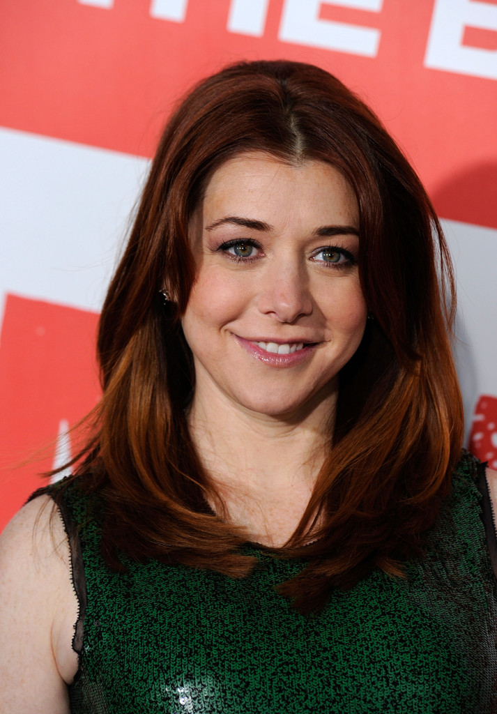Alyson Hannigan Layered Cut Alyson Hannigan Hair Looks