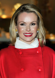 Amanda Holden's face glowed as she waited to turn on the lights.