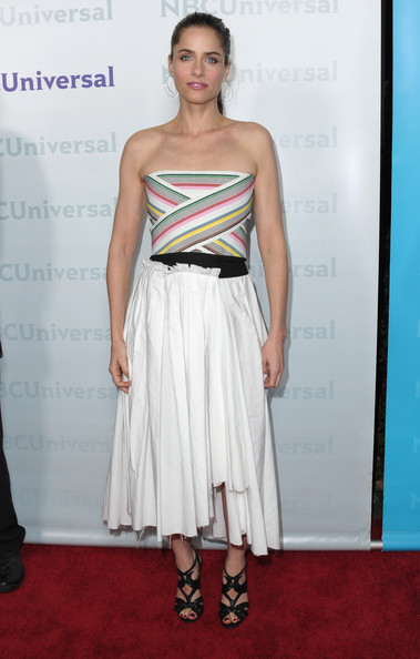 Amanda Peet Strapless Dress