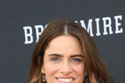 Amanda Peet Feathered Flip