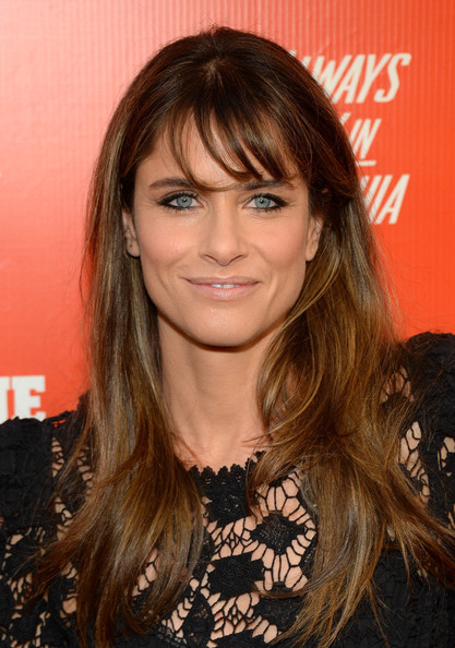 Amanda Peet Long Wavy Cut with Bangs