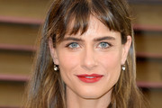 Amanda Peet Long Straight Cut with Bangs