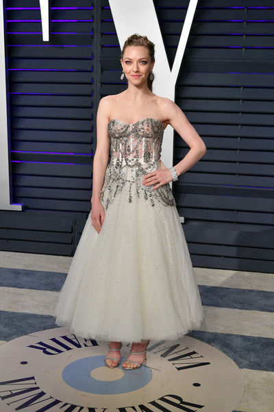 Amanda Seyfried Corset Dress [oscar party,vanity fair,dress,clothing,gown,fashion model,shoulder,bridal party dress,strapless dress,fashion,haute couture,formal wear,beverly hills,california,wallis annenberg center for the performing arts,radhika jones - arrivals,radhika jones,amanda seyfried]