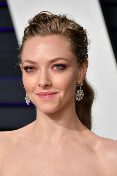 Amanda Seyfried Ponytail [oscar party,vanity fair,hair,face,eyebrow,hairstyle,lip,skin,chin,shoulder,beauty,forehead,beverly hills,california,wallis annenberg center for the performing arts,radhika jones - arrivals,radhika jones,amanda seyfried]