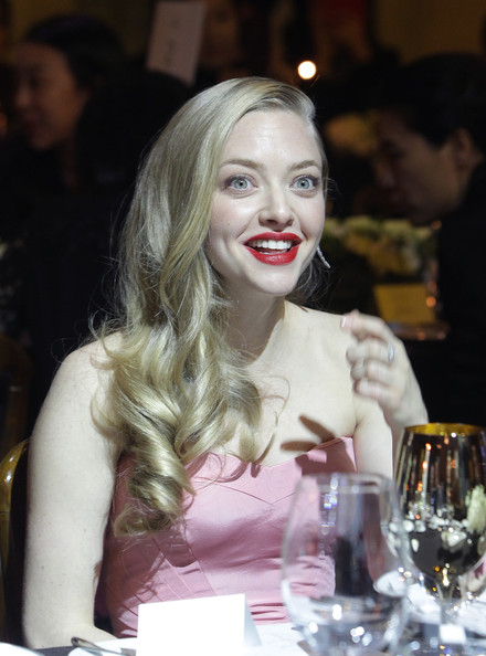 Amanda Seyfried Side Sweep [hair,facial expression,lip,lady,beauty,hairstyle,fashion,blond,smile,long hair,party,cle de peau beaute ``muse party,beaute muse,seoul,cle de peau,south korea,amanda seyfried]