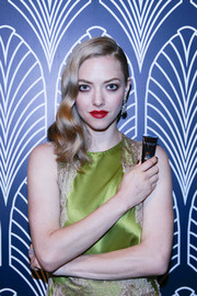 Amanda Seyfried looked like an Old Hollywood star with her wavy side sweep while promoting Cle de Peau Beaute in Shanghai.