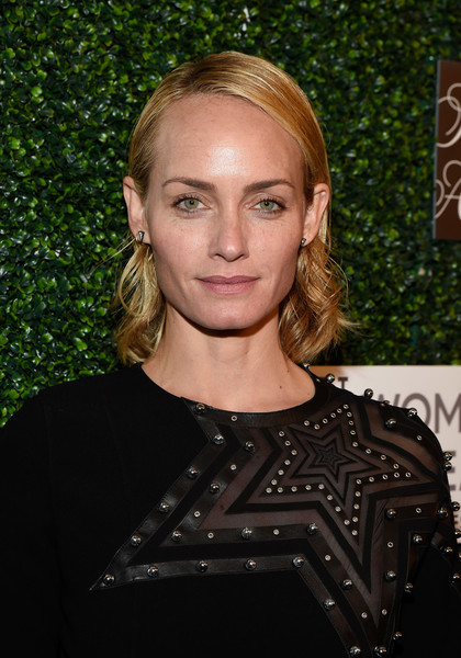 Amber Valletta Short Curls