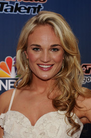 Jessica Willis sported a super-sweet curly 'do at the 'America's Got Talent' season 9 event.