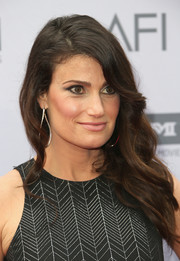 Idina Menzel was elegantly coiffed with this wavy side sweep at the AFI Life Achievement Award.