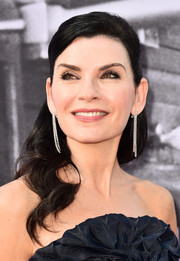 Julianna Margulies went for an elegant half-up style with wavy ends when she attended the 2018 AFI Life Achievement Award Gala.