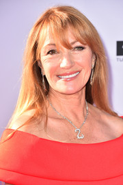 Jane Seymour stuck to her usual loose straight style with wispy bangs when she attended the 2018 AFI Life Achievement Award Gala.