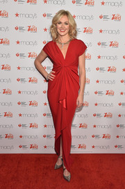 Laura Bell Bundy donned a lovely gown with a knotted waist for the American Heart Association Go Red for Women event.
