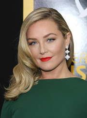 Elisabeth Rohm's red lips looked striking against her emerald dress.