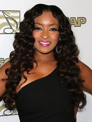 Jennia's long chocolate curls were bouncy and full of life at the ASCAP Rhythm & Soul Music Awards.