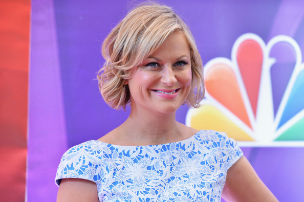 Amy Poehler Short Wavy Cut
