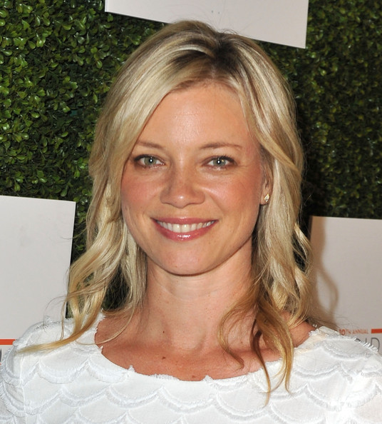 Amy Smart Long Wavy Cut