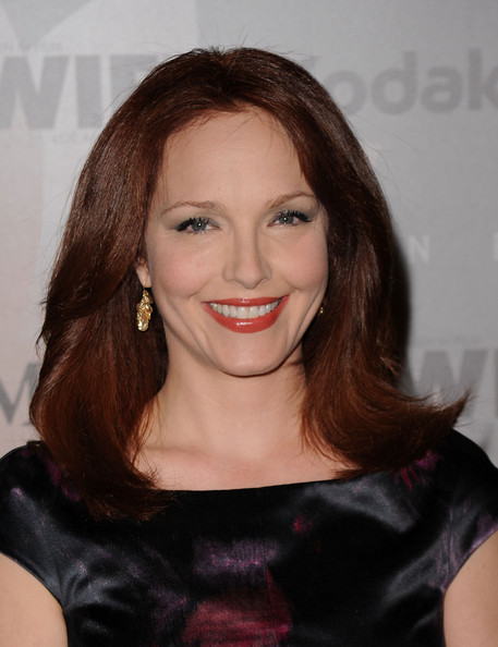 Amy Yasbeck Hair