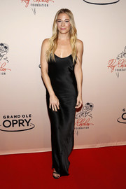 LeAnn Rimes showed off her slim physique in a slinky black slip gown at the 'Opry Salute to Ray Charles.'
