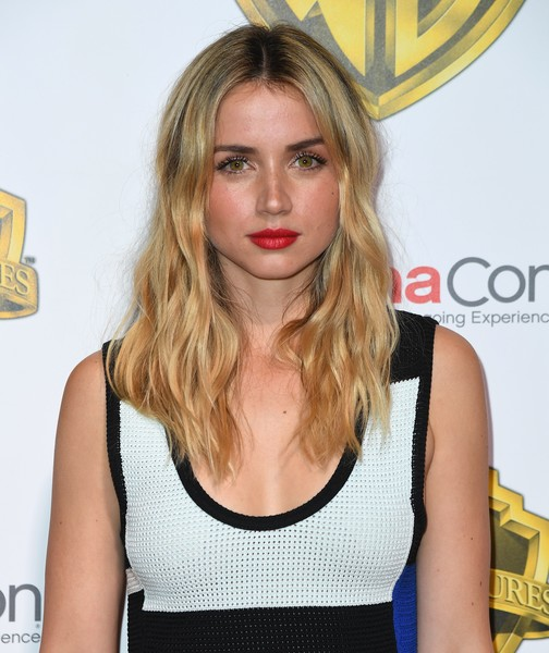 Ana de Armas Long Wavy Cut