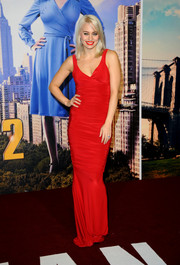 Kimberly Wyatt looked oh-so-hot in a slinky red evening dress during the premiere of 'Anchorman 2.'