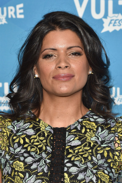 Andrea Navedo Long Curls []