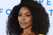 Angela Bassett Medium Curls