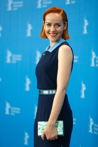 Jena Malone attended the Berlinale photocall for 'Angelica' carrying a marbled green box clutch by Edie Parker.
