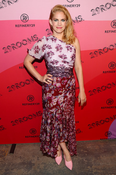 Anna Chlumsky One Shoulder Dress