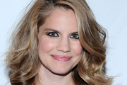 Anna Chlumsky Medium Curls