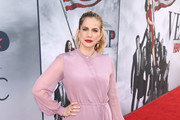 Anna Chlumsky Pumps