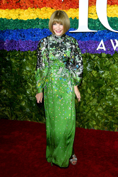Anna Wintour Print Dress [red carpet,clothing,green,carpet,red carpet,flooring,dress,premiere,costume,formal wear,outerwear,anna wintour,tony awards,new york city,radio city music hall,annual tony awards]