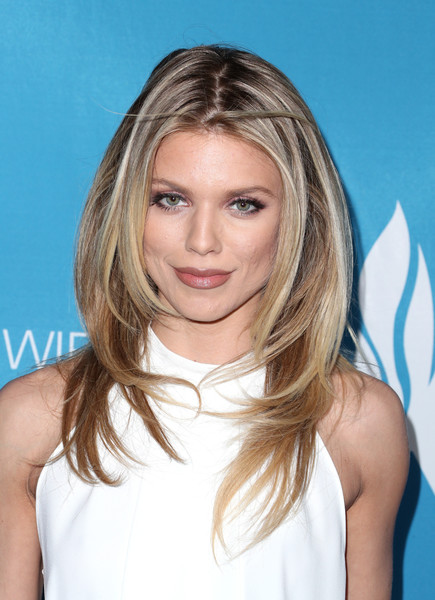AnnaLynne McCord Layered Cut [hair,blond,hairstyle,face,eyebrow,layered hair,long hair,surfer hair,chin,beauty,annalynne mccord,beverly hills,california,the beverly hilton hotel,simon wiesenthal center,national tribute dinner]