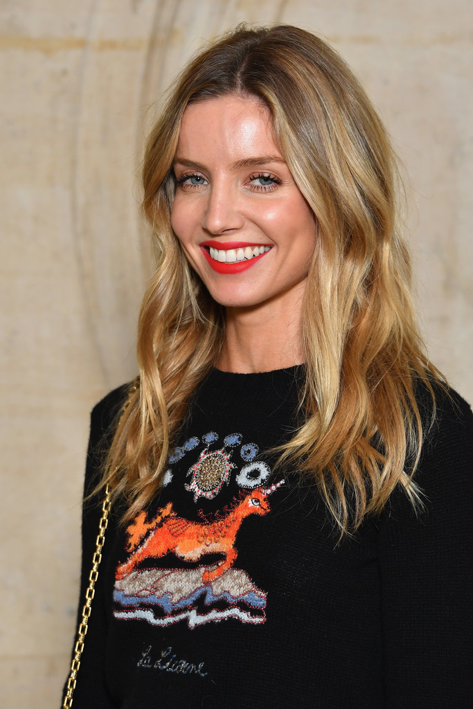 Annabelle Wallis Long Wavy Cut Hair Lookbook Stylebistro