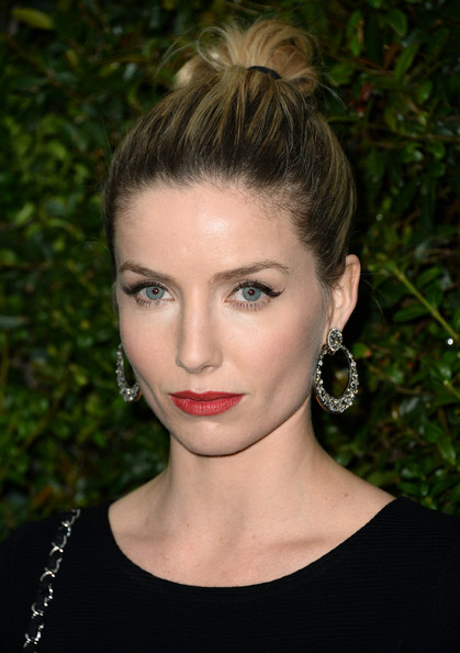 Annabelle Wallis Hair
