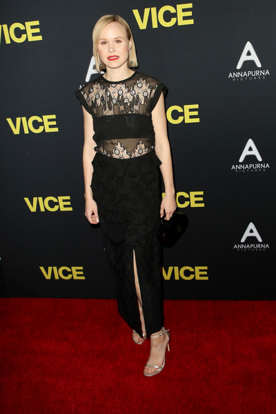 More Pics of Alison Pill Side Parted Straight Cut (1 of 8) - Short Hairstyles Lookbook - StyleBistro [clothing,red carpet,carpet,shoulder,dress,crop top,premiere,fashion,flooring,joint,vice - arrivals,alison pill,vice,samuel goldwyn theater,beverly hills,california,annapurna pictures,gary sanchez productions,plan b entertainment,world premiere]