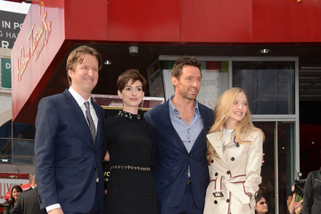 Anne Hathaway Amanda Seyfried Hugh Jackman Honored On The Hollywood Walk Of Fame